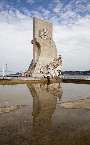 298px-Monumento_a_los_Descubrimientos,_Lisboa,_Portugal,_2012-05-12,_DD_19
